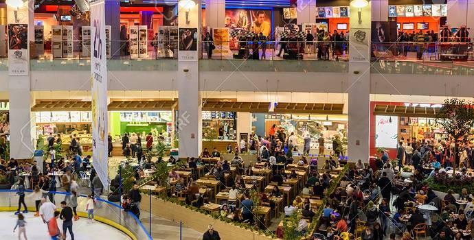 49317162-bucharest-romania-november-20-2015-people-crowd-rush-in-shopping-luxury-mall-interior-