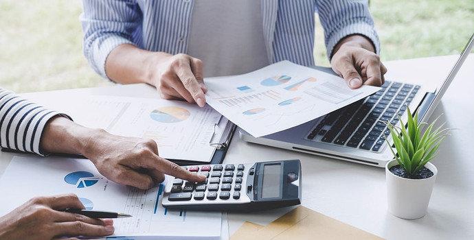 Biaya Penyesuaian (Adjustment Costs)