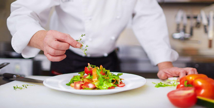 Apakah yang dimaksud food plating?