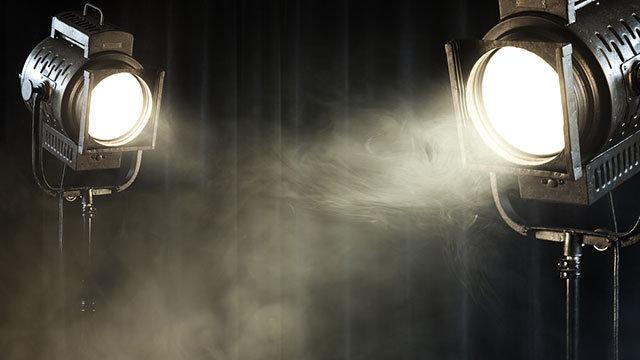Bagaimana cara mengatur pencahayaan pada foto dengan background putih?