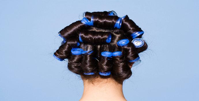 memilih rol rambut