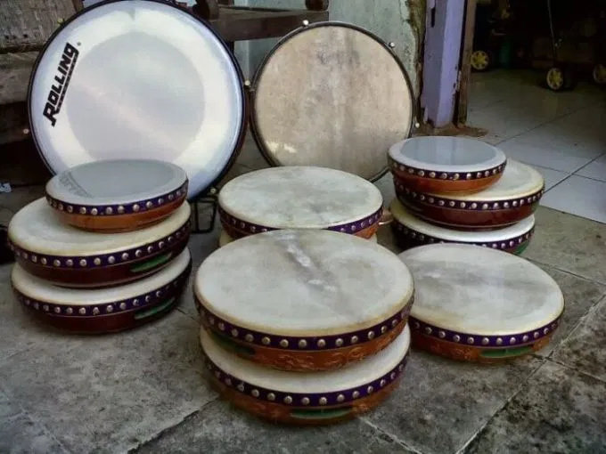 Apa yang dimaksud dengan alat musik tradisional rebana?
