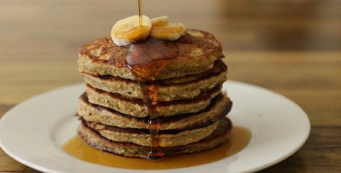 Bagaimana cara membuat dark chocolate oat pancake?