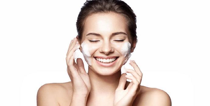 Bagaimana tips memilih facial wash untuk kulit kombinasi?