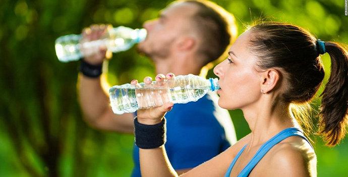 minum saat berolahraga