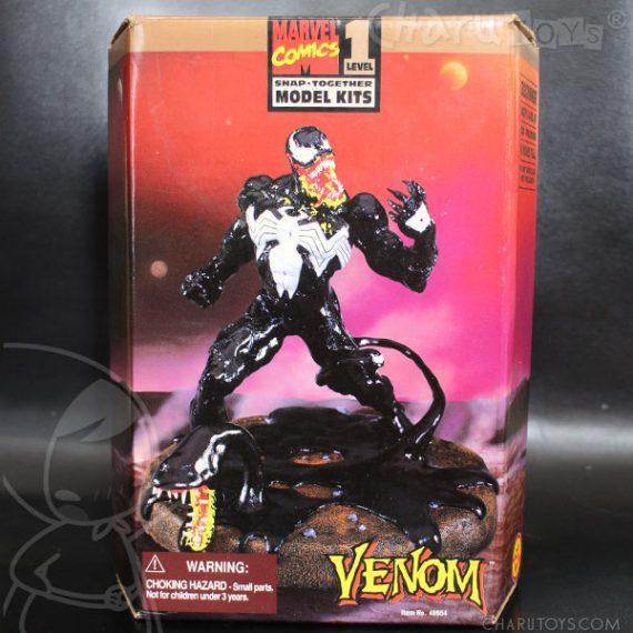 toybiz-venom-classic-model-kit-570x570