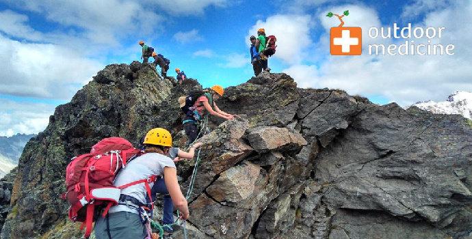 pelengkapan medis mendaki gunung