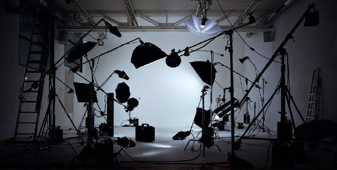 |690x3fotografi model indoor50