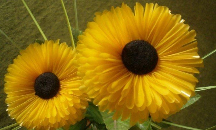 Bunga-dari-sedotan