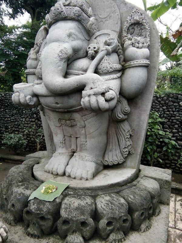 Arca Ganesha di Karangkates dalam posisi berdiri