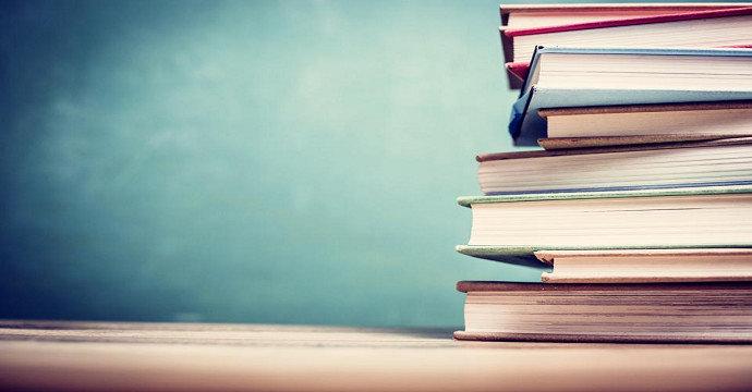 kode bahasa, kode sastra dan kode budaya dalam karya sastra