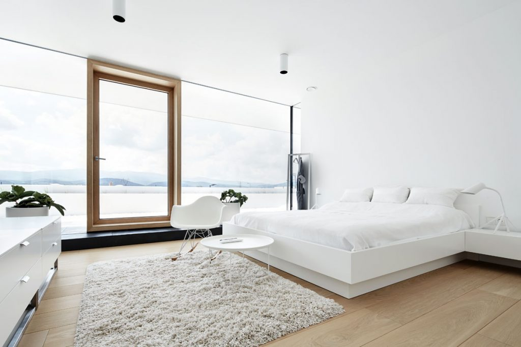 bedroom-with-a-view-1024x683