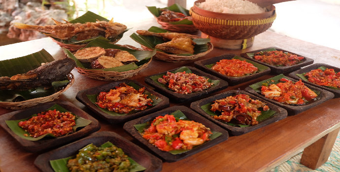 Kuliner Warung Djawa Timoer di Padang
