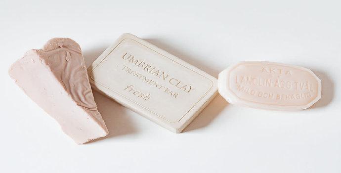 memilih sabun muka batangan untuk kulit sensitif