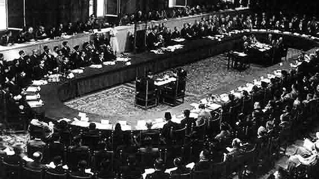 Bagaimana proses jalannya diplomasi dalam mempertahankan kemerdekaan Indonesia?