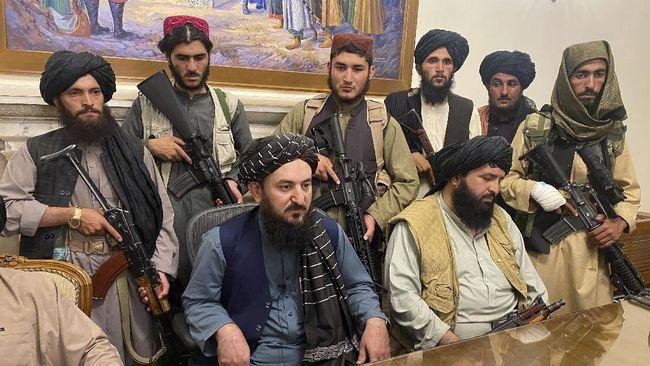 taliban-duduki-istana-kepresidenan-afghanistan-1_169