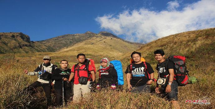 mendaki Gunung Sumbing lewat Garung