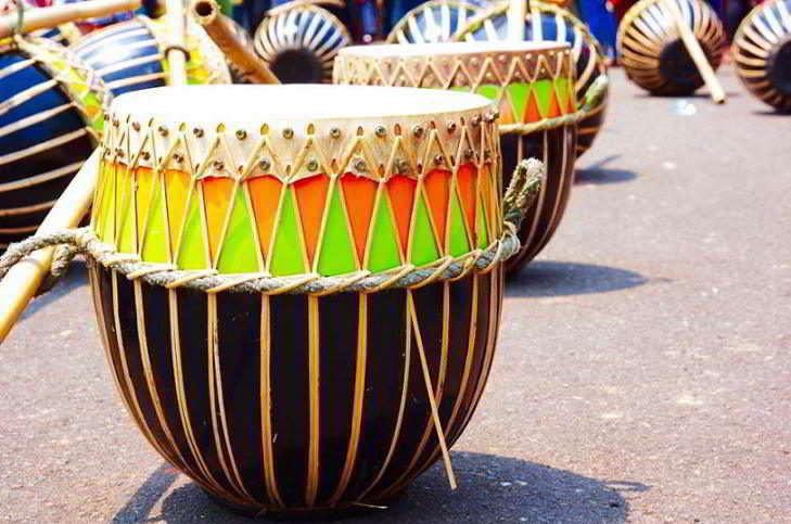 alat-musik-tradisional-yang-dipukul-dol