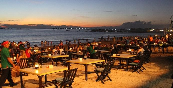 Kenapa wisata pantai identik dengan adanya kuliner?