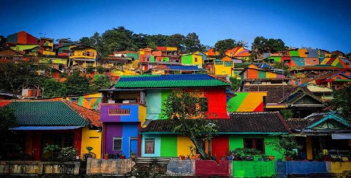 Kampung warna-warni Kali Code