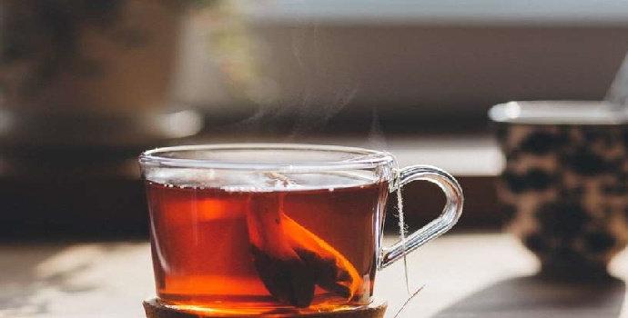 Bahaya minum teh saat berbuka puasa