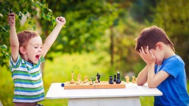 penting-mengajarkan-anak-menerima-kekalahan (sumber sukma.co)