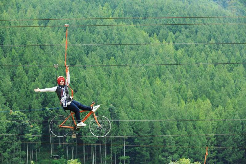 sepeda-the-lodge-maribaya-kesiniaja