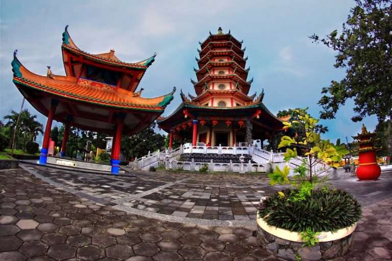 Vihara-Buddhagaya-Watugong_-768x512