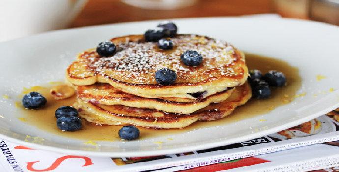 Resep membuat berry pancake