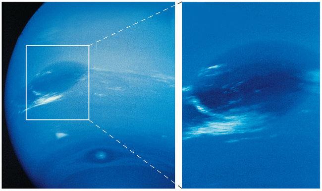 Bintik Gelap Raksasa pada Neptunus