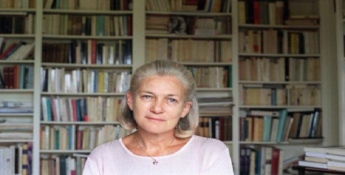 Siapakah Elisabeth Badinter ?