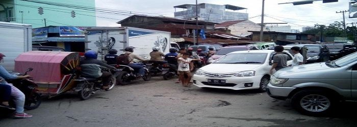 perempatan-jalan-krakatau-dan-jalan-bambu-tribun-medancom_20151125_171036