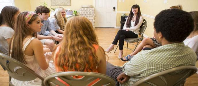 Terapi kelompok terapeutik