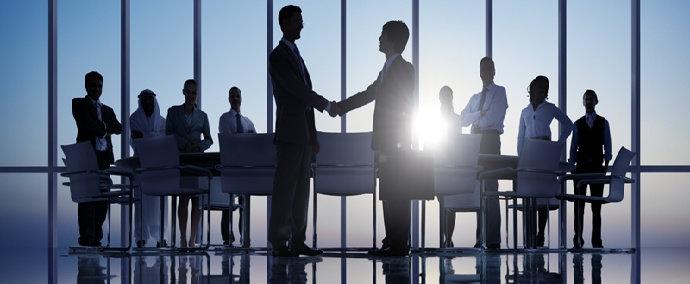 meeting dengan partner bisnis