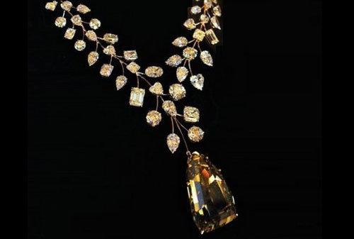 Perhiasan-Termahal-dan-Termewah-di-Dunia-termasuk-Gelang-Emas-19-Finansialku