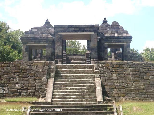 Gerbang luar Situs Ratu Boko