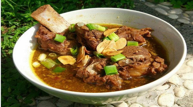 resep-nenek-segarnya-makan-sop-konro-khas-makassar-di-akhir-pekan-R25Evoz9oG
