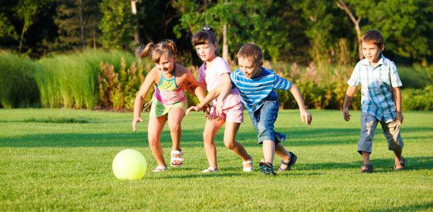 Hasil gambar untuk Bermain Fisik Bagi Anak