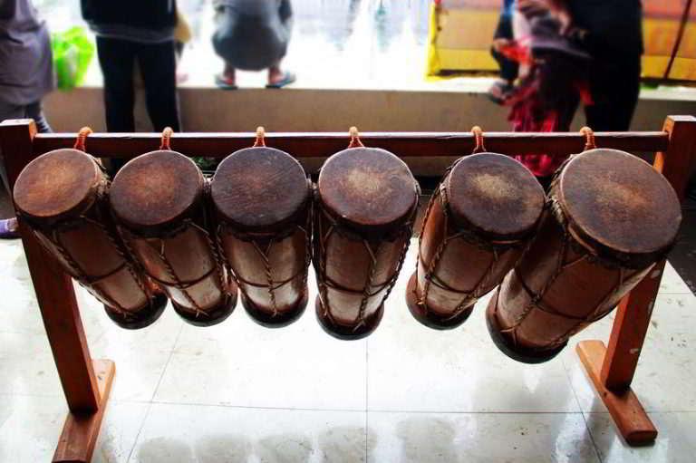 alat-musik-tradisional-yang-dipukul-gordang
