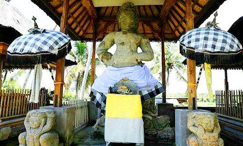 Arca Bhairawa yang terdapat di daerah Pejeng, Bali