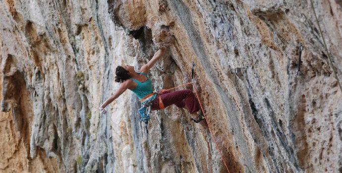 resiko mendaki gunung seorang diri