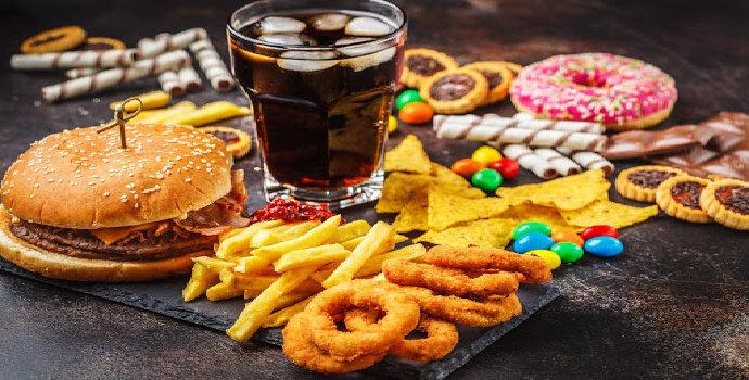 Apa yang membuat orang banyak mengunjungi restoran fast food ?