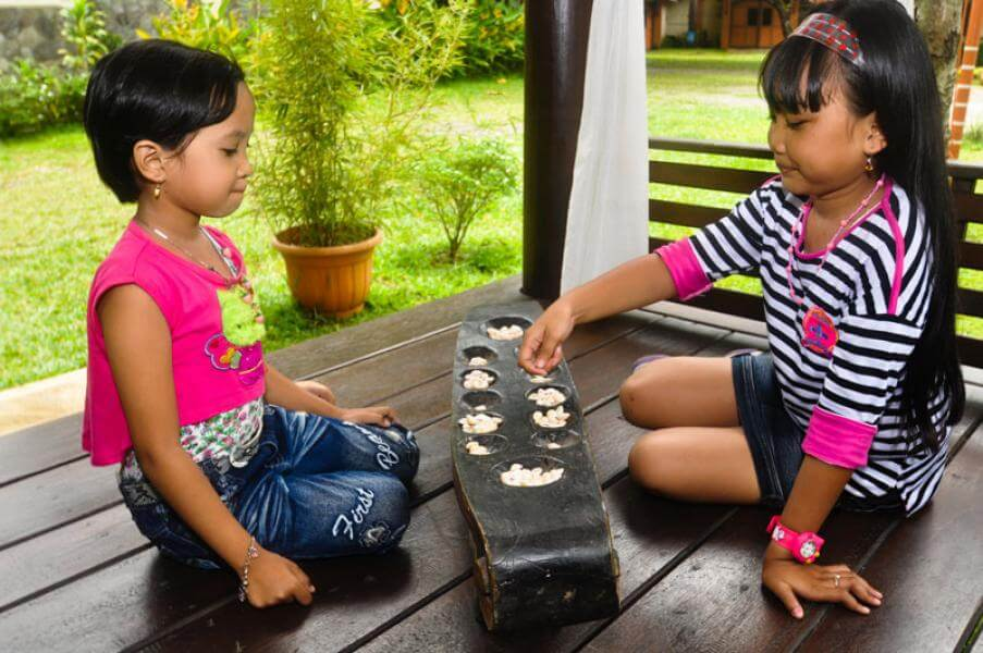 Permainan-tradisional-congklak