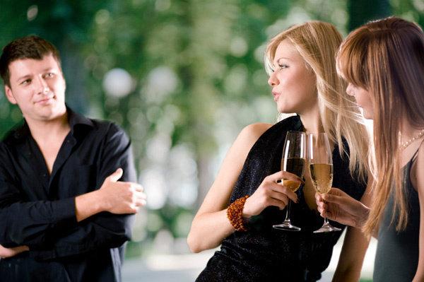 Hal-hal apa saja yang mempengaruhi Physical Attractiveness dilihat dari sisi ilmu sosial?